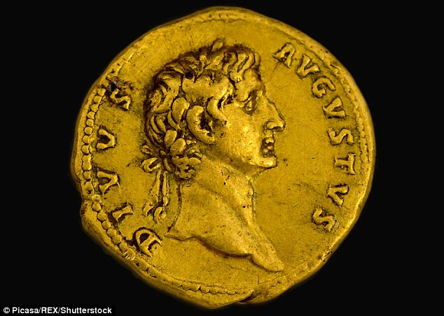 322DAAED00000578-3491387-Minted_in_107_AD_under_Emperor_Trajan_the_coin_bears_the_image_o-m-143_1457973674398