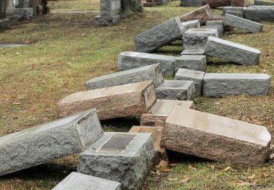 Profanato cimitero ebraico a Filadelfia, distrutte 500 lapidi